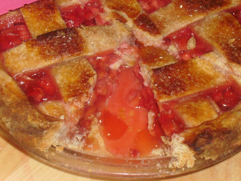 Rhubarb Strawberry Pie Recipe - The Tompkins Family
